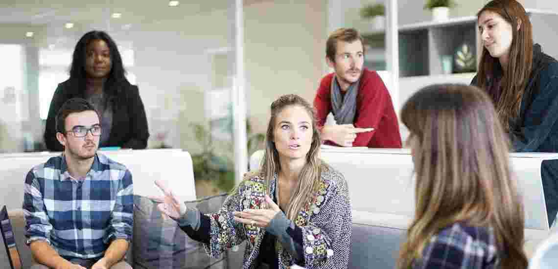 """۱۰ مهارت صحبت کردن که همه ما باید یاد بگیریم """" نکته های گفتگو """""""