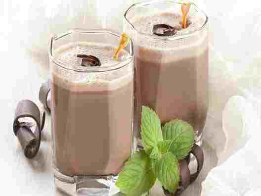 شیر کاکائو مفید است یا مضر؟