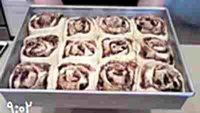 ویدئو کلیپ آموزش شیرینی رولهای دارچینی - آموزش تهیه شیرینی رولی