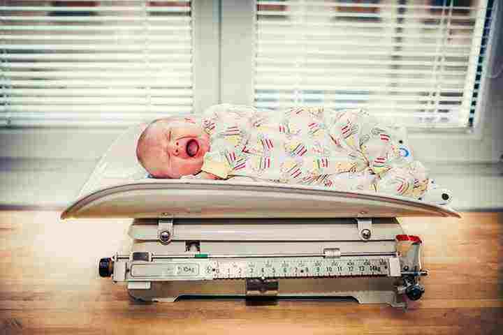 علت وزن کم نوزاد در زمان تولد