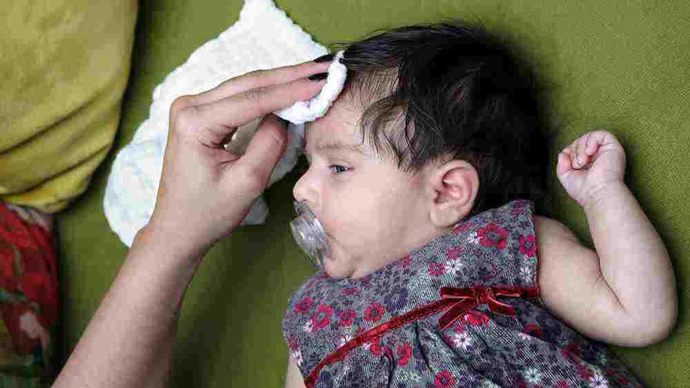 دلایل عرق کردن نوزاد و شیرخوار